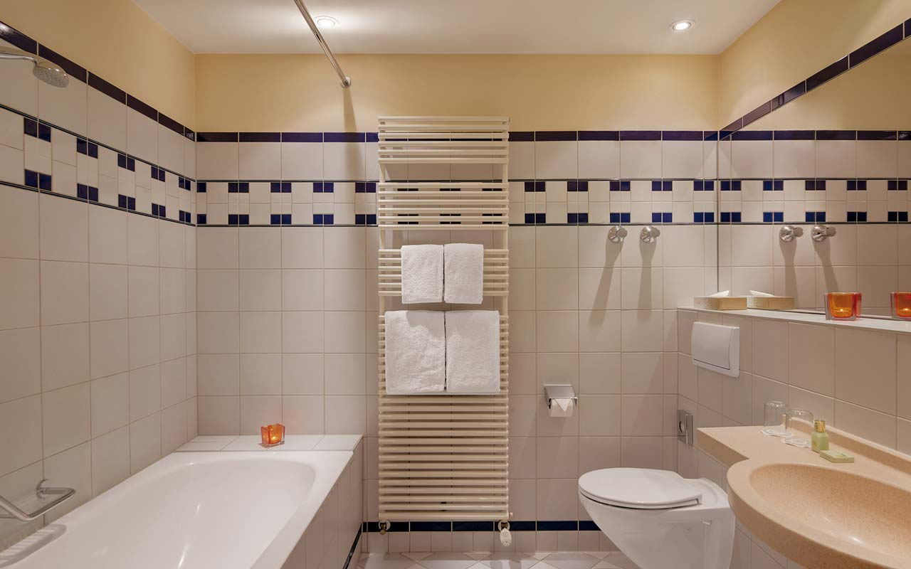 Cosmopolitan Hotel - Junior suite bathroom
