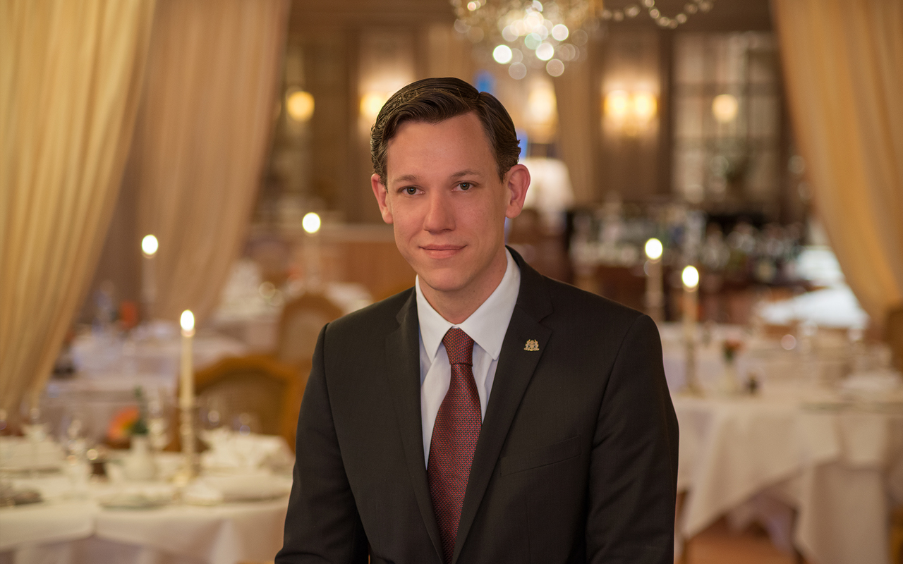 Koenigshof - Restaurant manager Simon Adam